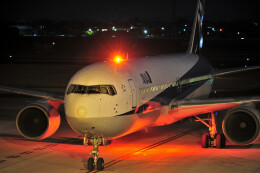 JPN_BASE21さんが、高知空港で撮影した全日空 767-381の航空フォト(飛行機 写真・画像)