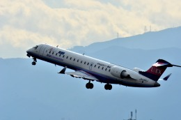 JPN_BASE21さんが、福岡空港で撮影したアイベックスエアラインズ CL-600-2C10 Regional Jet CRJ-702の航空フォト(飛行機 写真・画像)