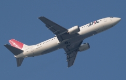 木人さんが、成田国際空港で撮影した日本航空 737-446の航空フォト(飛行機 写真・画像)