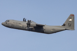 KANTO61さんが、横田基地で撮影したアメリカ空軍 C-130J-30 Herculesの航空フォト(飛行機 写真・画像)