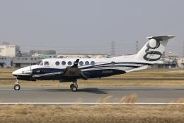 Hii82さんが、八尾空港で撮影したクリアネット King Air 350i (B300)の航空フォト(飛行機 写真・画像)