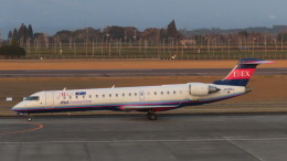 KT 327@KOJさんが、鹿児島空港で撮影したアイベックスエアラインズ CL-600-2C10 Regional Jet CRJ-702ERの航空フォト(飛行機 写真・画像)