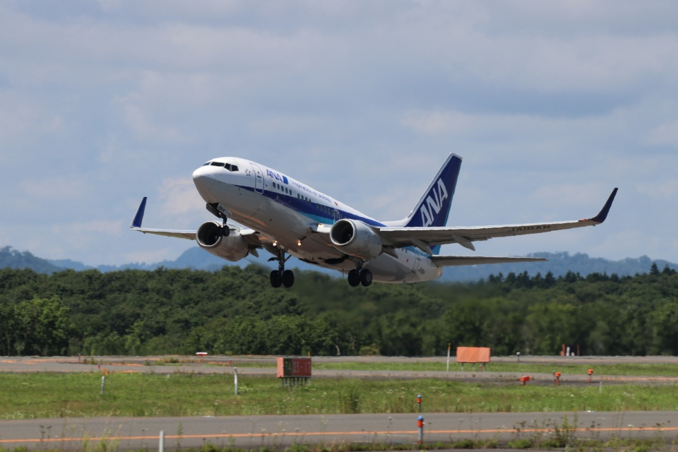 磐城さんの全日空 Boeing 737-700 (JA18AN) 航空フォト