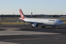 kinsanさんが、シドニー国際空港で撮影したカンタス航空 A330-303の航空フォト(飛行機 写真・画像)