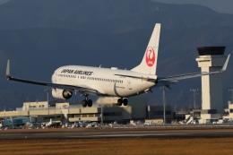 磐城さんが、高知空港で撮影した日本航空 737-846の航空フォト(飛行機 写真・画像)