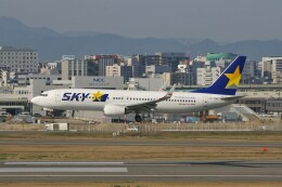 Smyth Newmanさんが、福岡空港で撮影したスカイマーク 737-8FZの航空フォト(飛行機 写真・画像)