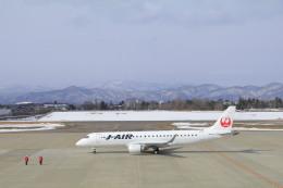 しかばねさんが、花巻空港で撮影したジェイエア ERJ-190-100(ERJ-190STD)の航空フォト(飛行機 写真・画像)
