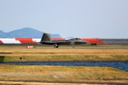 OMAさんが、岩国空港で撮影したアメリカ空軍 F-22 Raptorの航空フォト(飛行機 写真・画像)