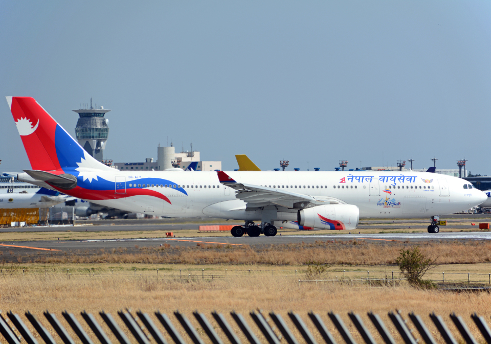 NINEJETSさんのネパール航空 Airbus A330-200 (9N-ALY) 航空フォト