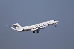 KAZFLYERさんが、羽田空港で撮影したPrivate owner(Hampshire Aviation LLP) G650 (G-VI)の航空フォト(飛行機 写真・画像)