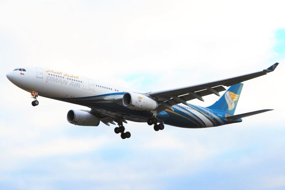 ちっとろむさんのオマーン航空 Airbus A330-300 (A4O-DD) 航空フォト