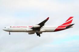 ちっとろむさんが、ロンドン・ヒースロー空港で撮影したモーリシャス航空 A340-312の航空フォト(飛行機 写真・画像)