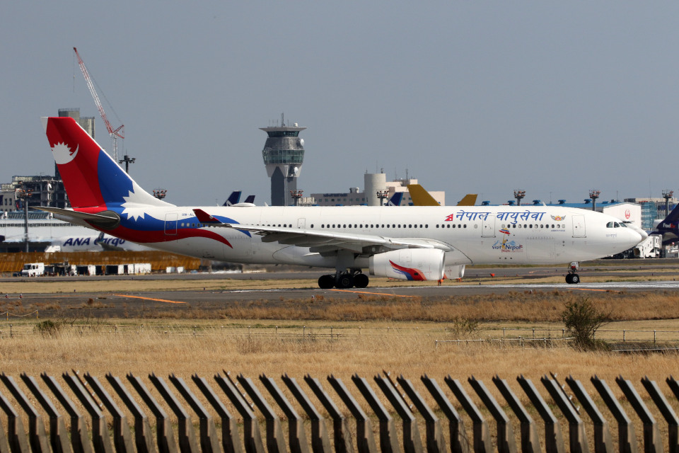 sin747さんのネパール航空 Airbus A330-200 (9N-ALY) 航空フォト