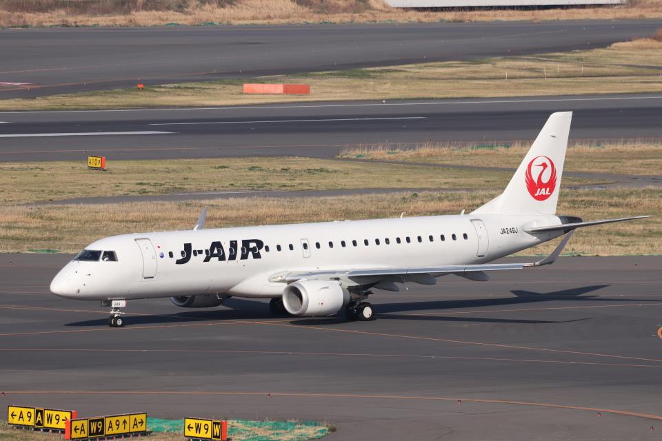 KAZFLYERさんのジェイエア Embraer 190 (JA249J) 航空フォト