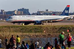 Airliners Freakさんが、ロナルド・レーガン・ワシントン・ナショナル空港で撮影したUSエアウェイズ A321-211の航空フォト(飛行機 写真・画像)