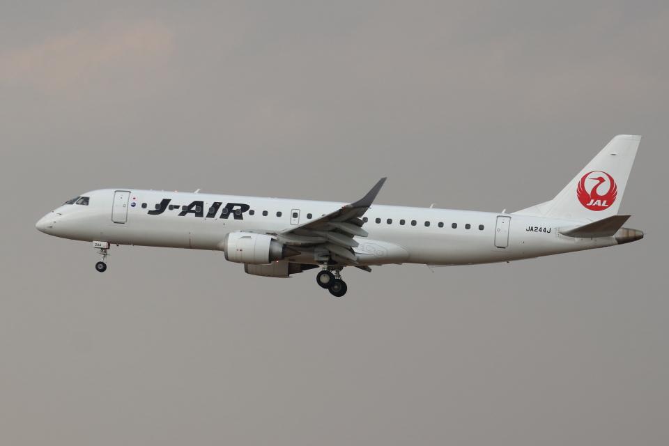 kunimi5007さんのジェイエア Embraer 190 (JA244J) 航空フォト