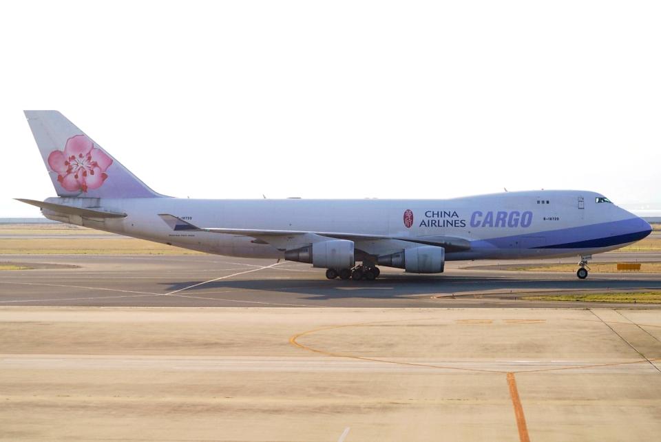 SFJ_capさんのチャイナエアライン Boeing 747-400 (B-18720) 航空フォト