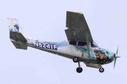 KOKI_ANA-Brussels767さんが、横田基地で撮影したヨコタ・アエロ・クラブ 172F Skyhawkの航空フォト(飛行機 写真・画像)
