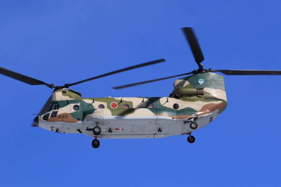 F-4さんの航空自衛隊 Kawasaki CH-47J Chinook (47-4490) 航空フォト