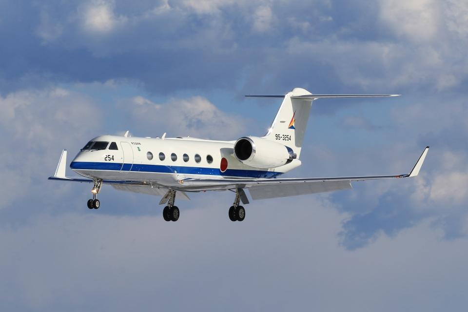 F-4さんの航空自衛隊 Gulfstream Aerospace G-IV (95-3254) 航空フォト
