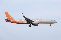 やまのクマさんさんが、成田国際空港で撮影したアビアスター 757-223(PCF)の航空フォト(飛行機 写真・画像)