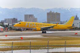 空猫さんが、札幌飛行場で撮影したフジドリームエアラインズ ERJ-170-200 (ERJ-175STD)の航空フォト(飛行機 写真・画像)