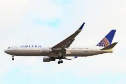 ちっとろむさんが、ロンドン・ヒースロー空港で撮影したユナイテッド航空 767-322/ERの航空フォト(飛行機 写真・画像)