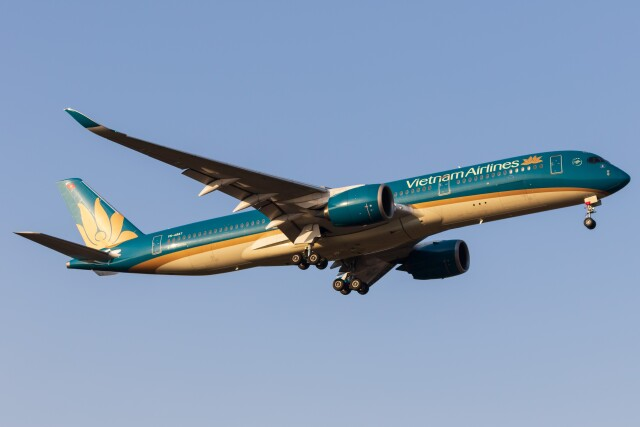 walker2000さんが、成田国際空港で撮影したベトナム航空 A350-941の航空フォト(飛行機 写真・画像)