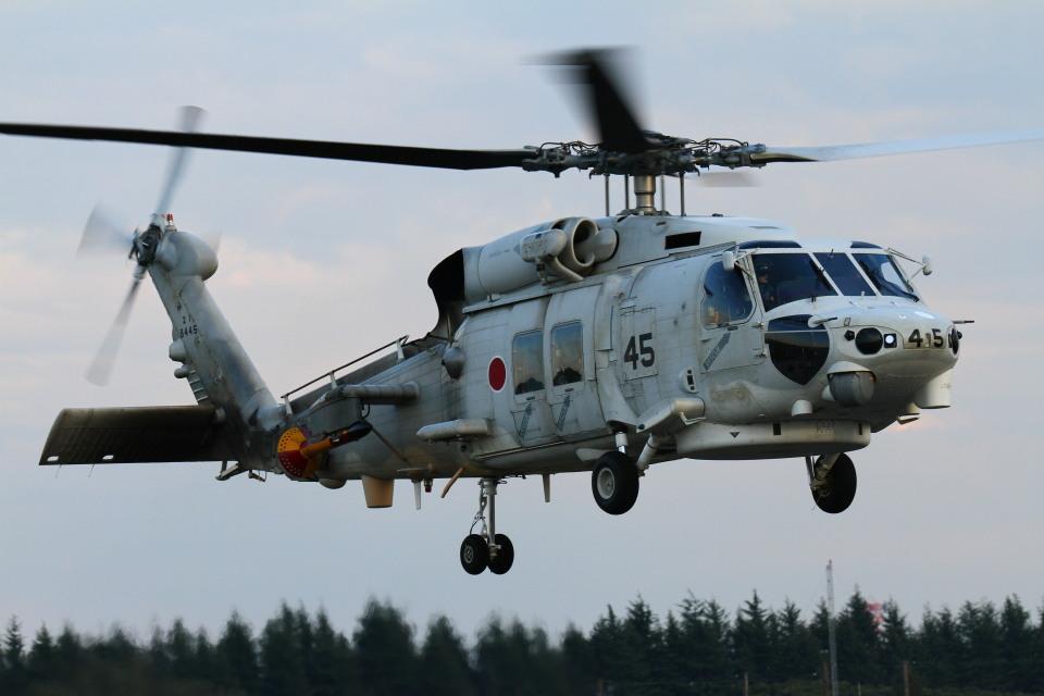 ちゅういちさんの海上自衛隊 Mitsubishi SH-60K (8445) 航空フォト