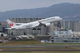つっさんさんが、伊丹空港で撮影した日本航空 A350-941の航空フォト(飛行機 写真・画像)