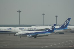 俊夫さんが、羽田空港で撮影した全日空 737-54Kの航空フォト(飛行機 写真・画像)