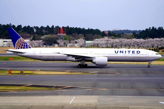 航空フォト:N2747U ユナイテッド航空