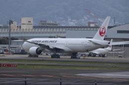 つっさんさんが、伊丹空港で撮影した日本航空 777-289の航空フォト(飛行機 写真・画像)