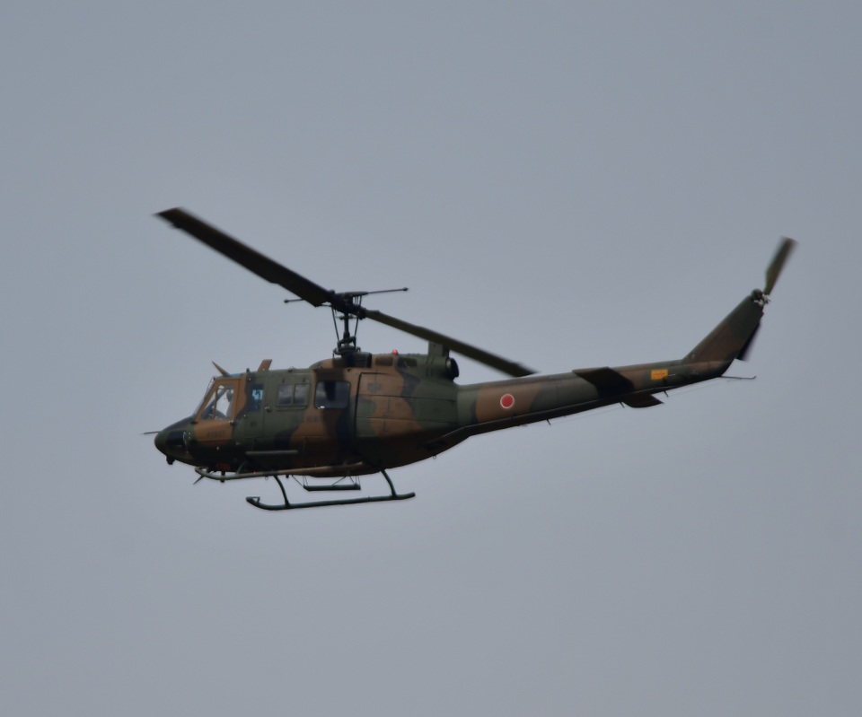 こつぽんさんの陸上自衛隊 Fuji UH-1J (41837) 航空フォト