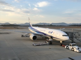 kazucamさんが、広島空港で撮影した全日空 777-281/ERの航空フォト(飛行機 写真・画像)