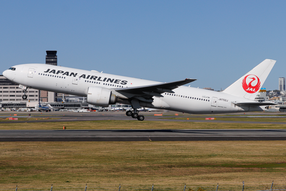 A.Tさんの日本航空 Boeing 777-200 (JA702J) 航空フォト