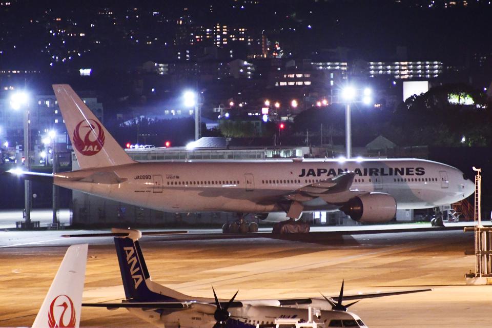 TOPAZ102さんの日本航空 Boeing 777-200 (JA009D) 航空フォト