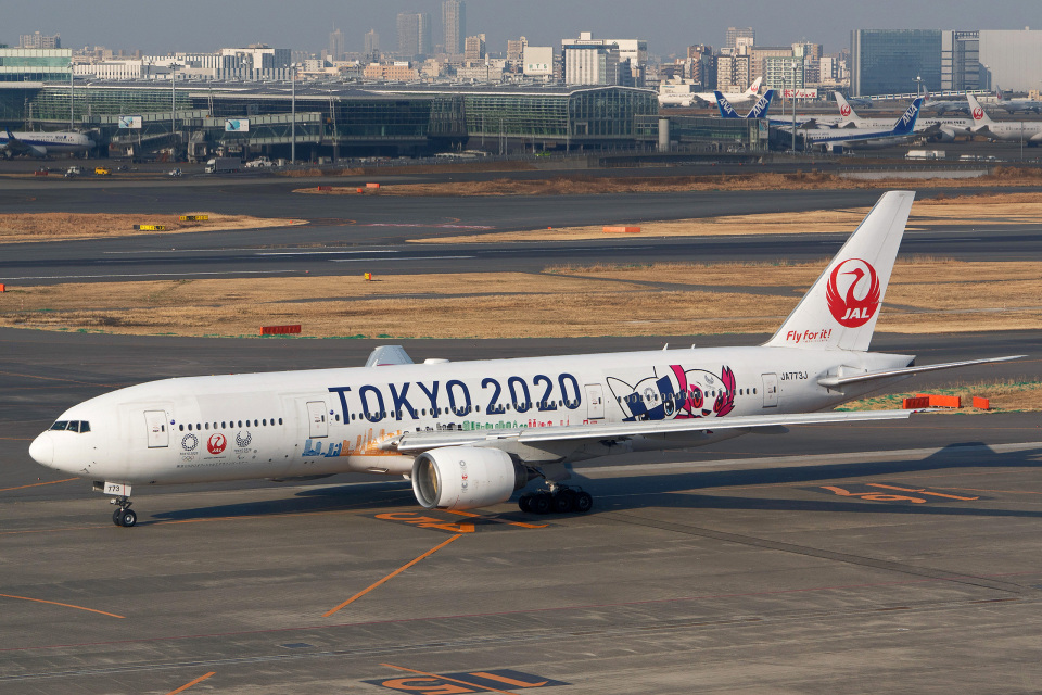 tkosadaさんの日本航空 Boeing 777-200 (JA773J) 航空フォト