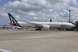 NIKEさんが、成田国際空港で撮影したアリタリア航空 777-3Q8/ERの航空フォト(飛行機 写真・画像)