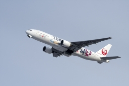 あさかぜみずほさんが、新千歳空港で撮影した日本航空 777-246の航空フォト(飛行機 写真・画像)