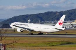 あさかぜみずほさんが、伊丹空港で撮影した日本航空 777-346の航空フォト(飛行機 写真・画像)