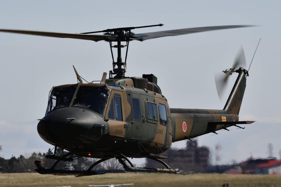 YOSANさんの陸上自衛隊 Fuji UH-1J (41859) 航空フォト