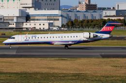 A.Tさんが、伊丹空港で撮影したアイベックスエアラインズ CL-600-2C10 Regional Jet CRJ-702ERの航空フォト(飛行機 写真・画像)