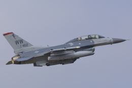 norimotoさんが、三沢飛行場で撮影したアメリカ空軍 F-16DM-50-CF Fighting Falconの航空フォト(飛行機 写真・画像)