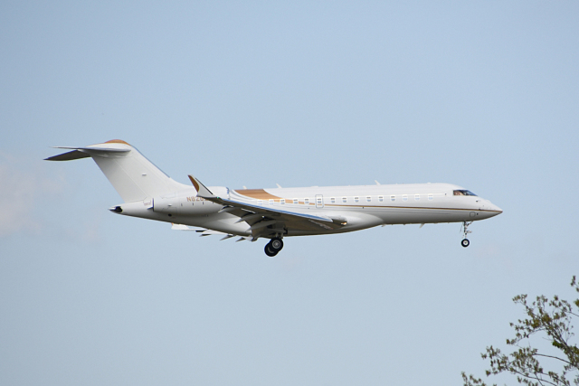 kooo_taさんが、成田国際空港で撮影したウィルミントン・トラスト・カンパニー BD-700 Global Express/5000/6000の航空フォト(飛行機 写真・画像)
