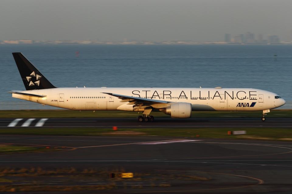 いんちゃんさんの全日空 Boeing 777-300 (JA731A) 航空フォト