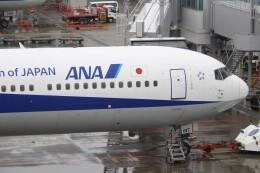 すーぱーばりとくさんが、福岡空港で撮影した全日空 767-381/ERの航空フォト(飛行機 写真・画像)
