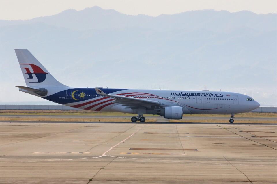 PW4090さんのマレーシア航空 Airbus A330-200 (9M-MTY) 航空フォト