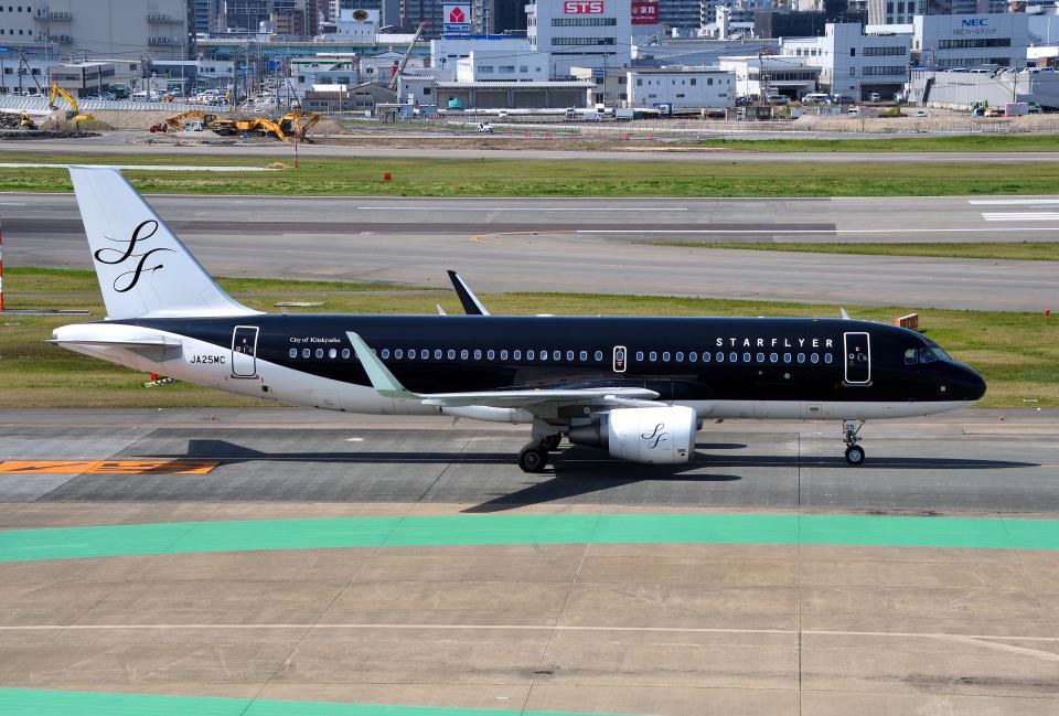 mojioさんのスターフライヤー Airbus A320 (JA25MC) 航空フォト