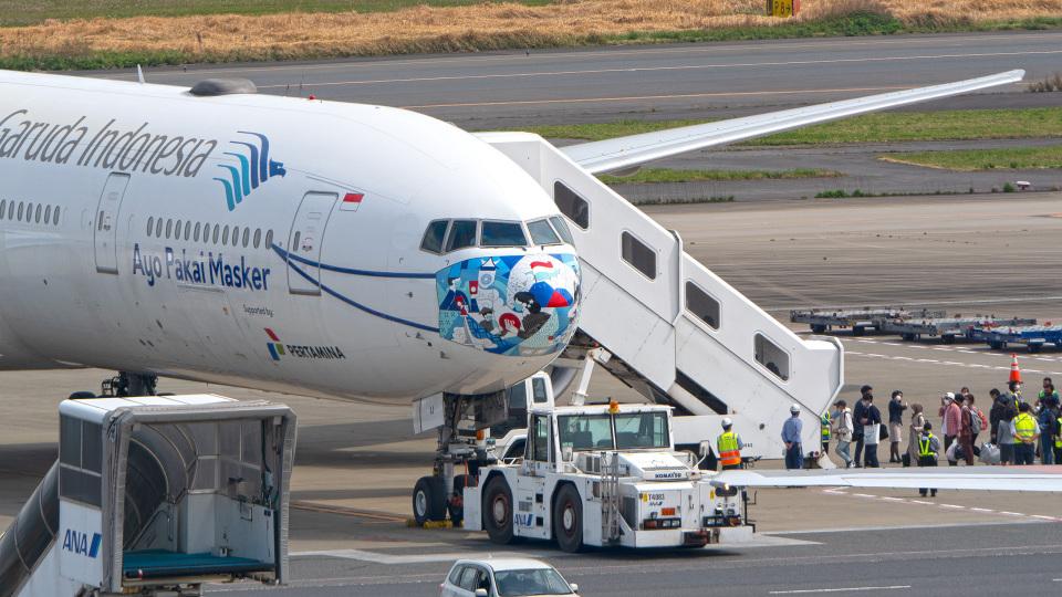 tkosadaさんのガルーダ・インドネシア航空 Boeing 777-300 (PK-GIJ) 航空フォト
